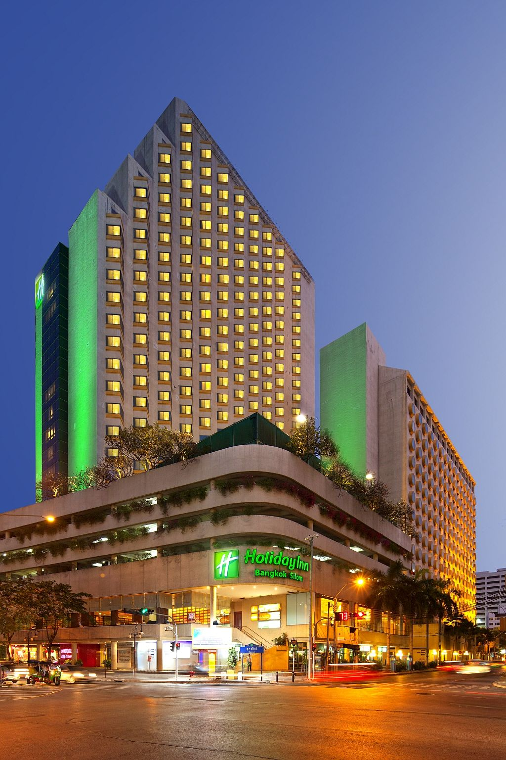 Holiday Inn Bangkok Silom is located on bustling Silom