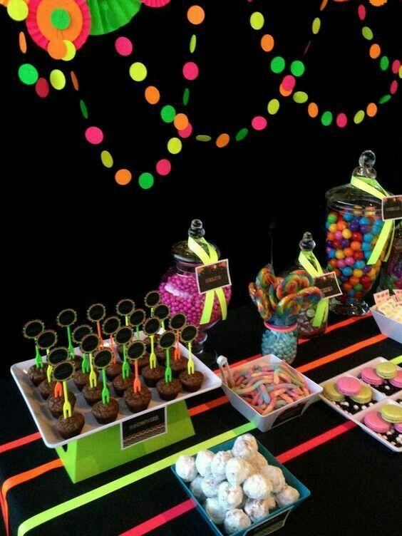 Partylicious Es Birthday Neon Glow In The Dark