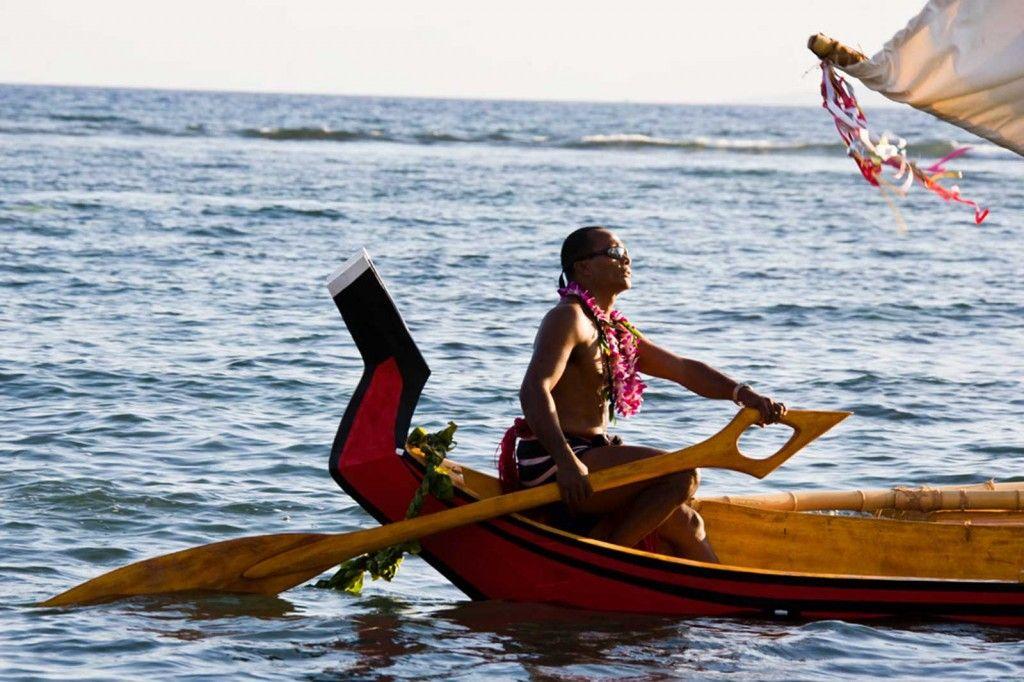 C Lion Outrigger Canoe Hand-carved Pol...