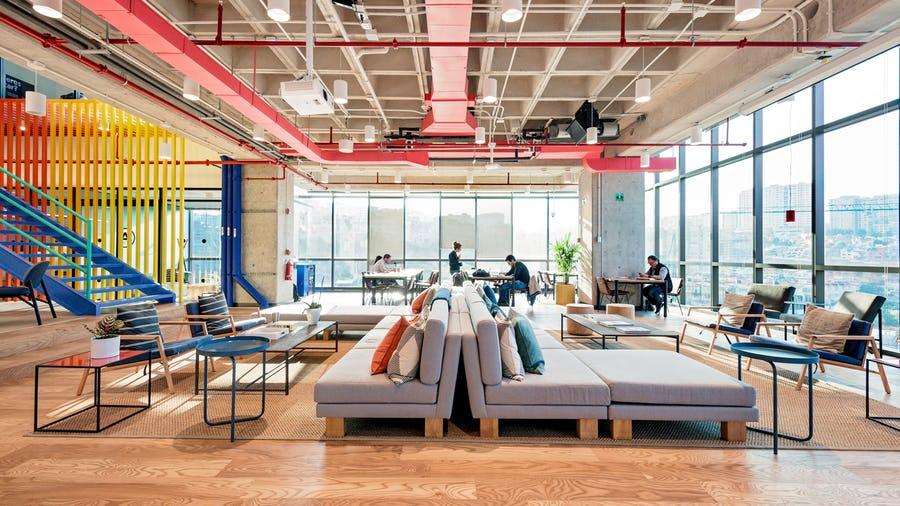Centtral Interlomas Office Space In Mexico City Wework Diseno De Interiores Oficina Oficinas En Renta Espacio De Oficina