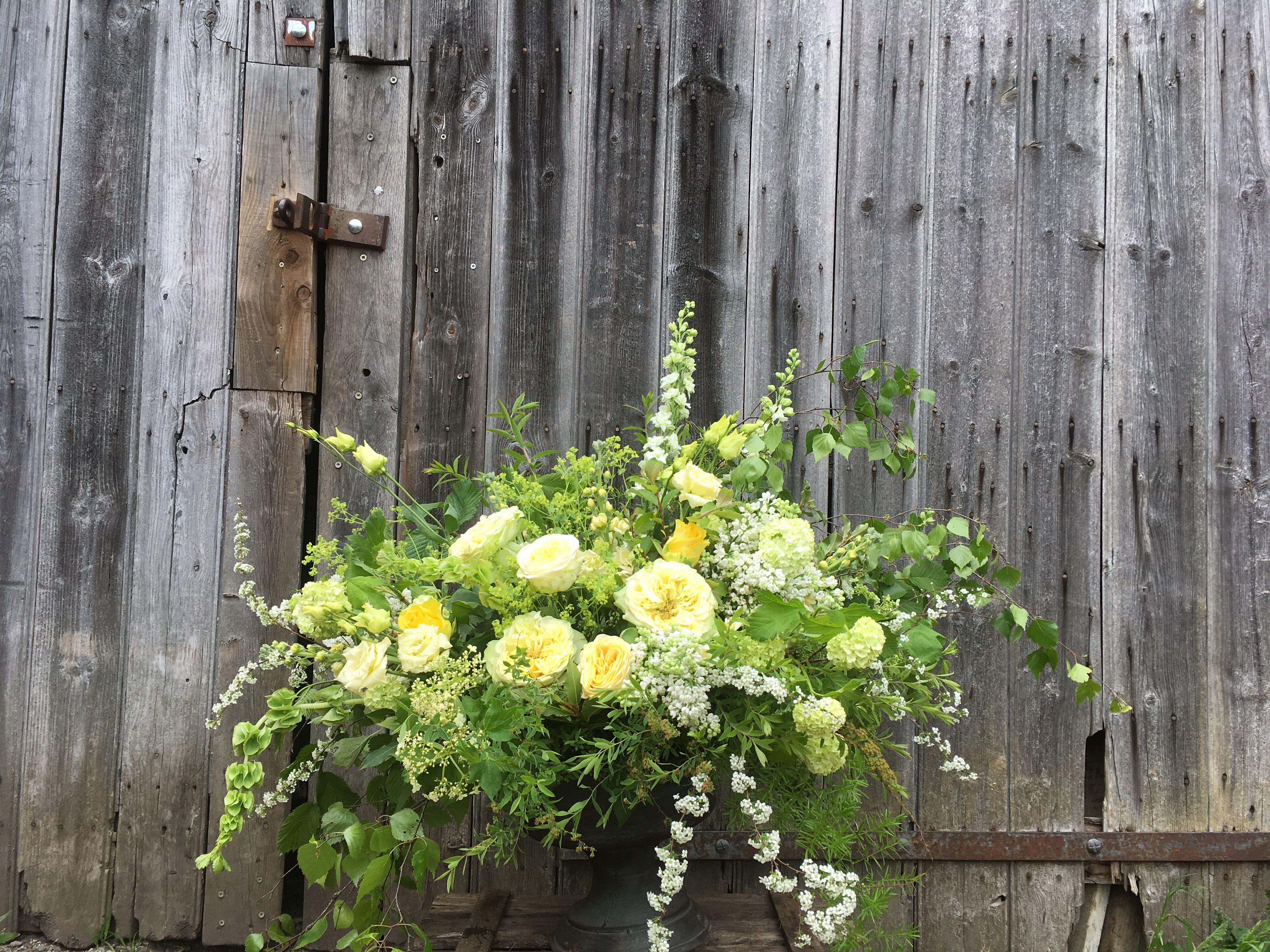 Display Flowers With Pale Yellows And Creams Buttercup Rose And