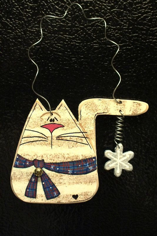 Tole Painted Wood Beige Tiger Cat Ornament And Magnet