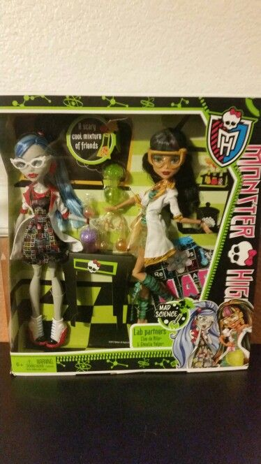f9aa75d66cb5 Monster high dolls mad science Cleo de Nile and Ghoulia Yelps found at Toys  R Us