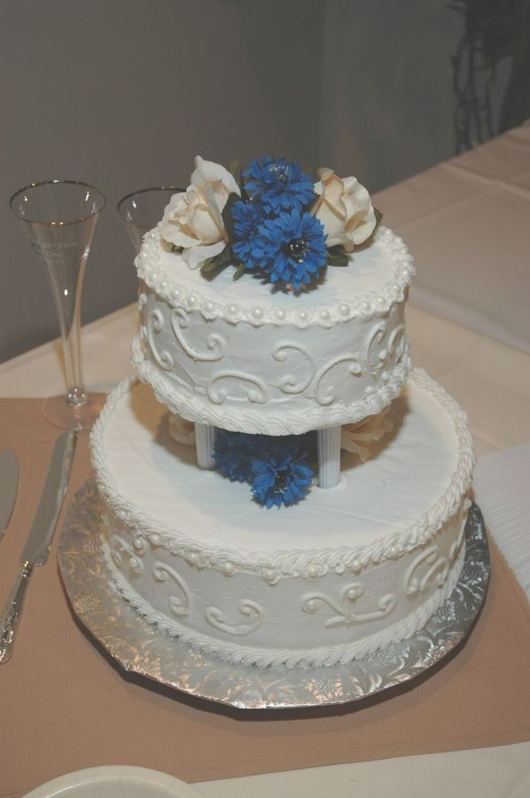 tier wedding cakes with flowers round | This was a small wedding for an older couple. All buttercream with ...