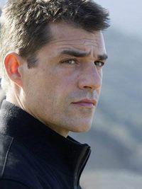 Thierry Neuvic, le ténébreux mais solaire (si, si, c'est compatible) chef de clan de Mafiosa.