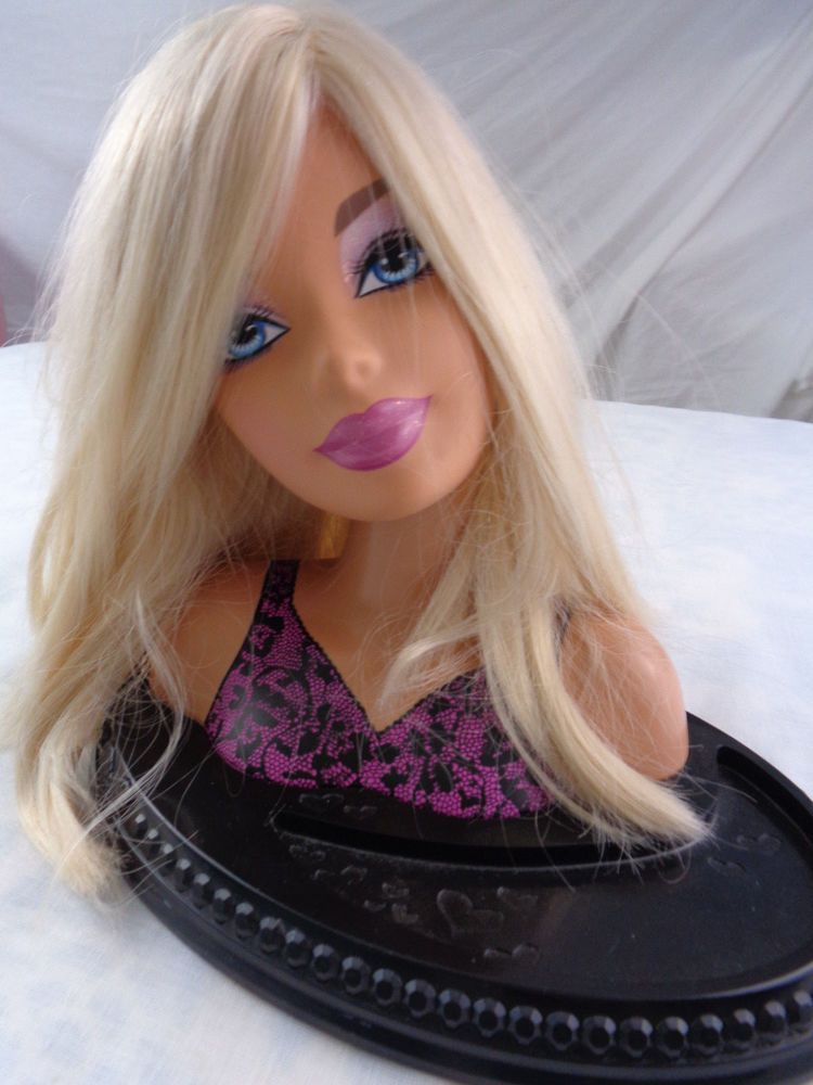 2007 Barbie Totally Hair Styling Head Blonde 20 Piece Set Ultra Rare Fashion Fever Black Base Includes 20 P Glam Hair Barbie Styling Head Rare Fashion