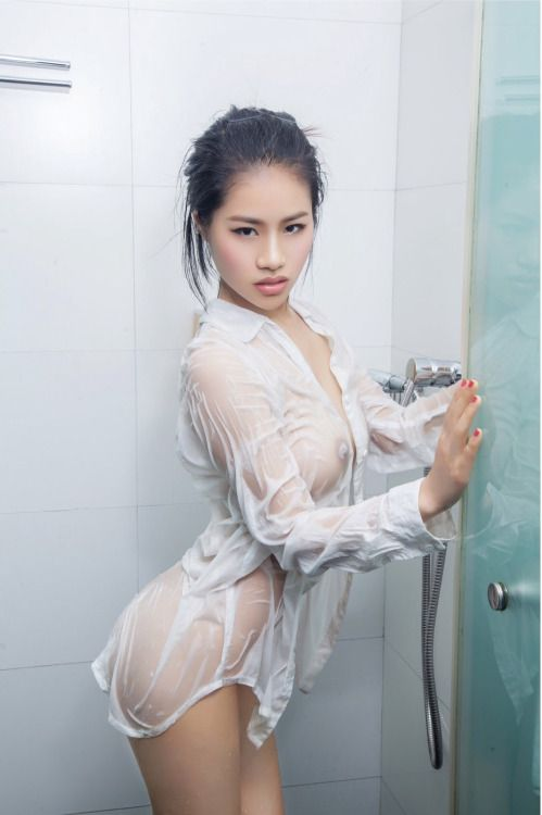 Alyssa milano fake nude facial