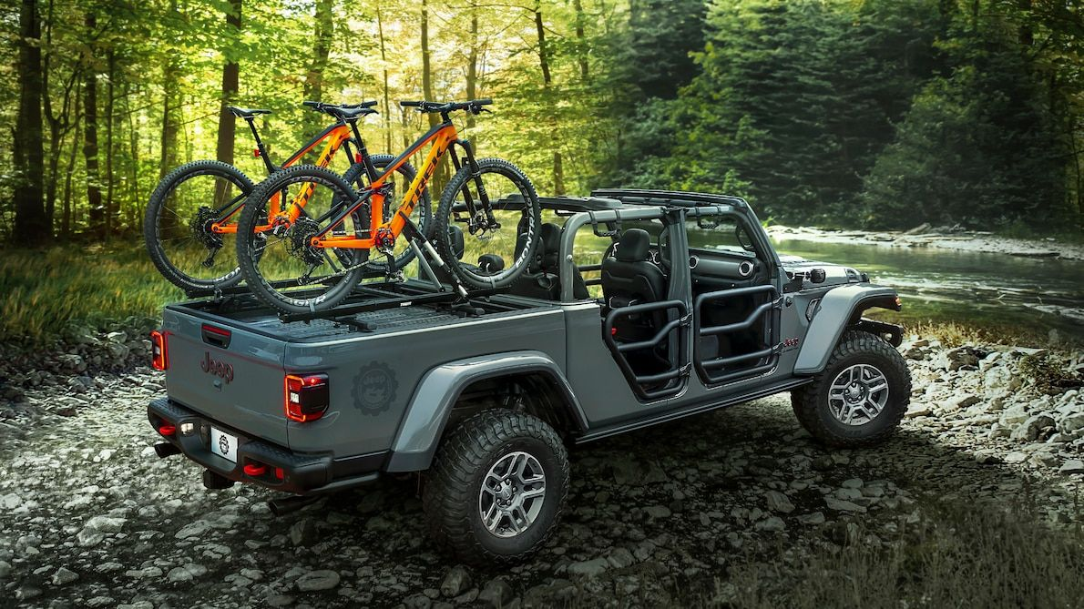 2020 Jeep Gladiator Offering More Than 200 Mopar Accessories