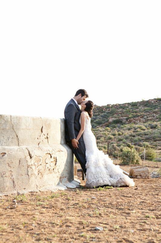 Inspirasie op - http://bruid.sarie.com/troues/regte-troues/jaco-en-nanette-bruwer?name=jaco-en-nanette-bruwer
