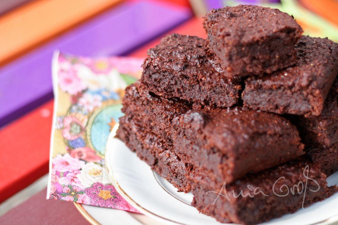 Optimiert Vegane Brownies Mit Banane Und Rote Bete Lebensmittel Essen Kuchen Rezepte Vegane Sussigkeiten