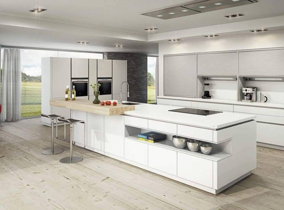 Uma Cozinha Clean E Ampla Para Reunir A Familia Cozinha Ampla Branca Clean Decoracao C Decoracion De Cocina Moderna Cocinas Modernas Isla Cocina Moderna