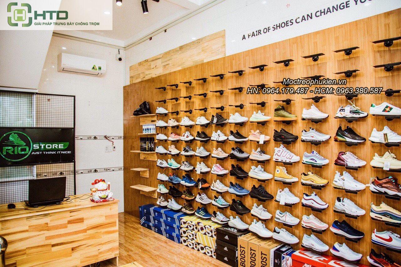 Giá kệ trưng bày giày dép cho shop thời trang năm 2019 - 9