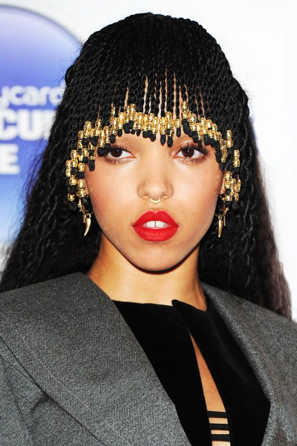 Fka Twigs Just Braided Her Bangs And It Looks Rad In