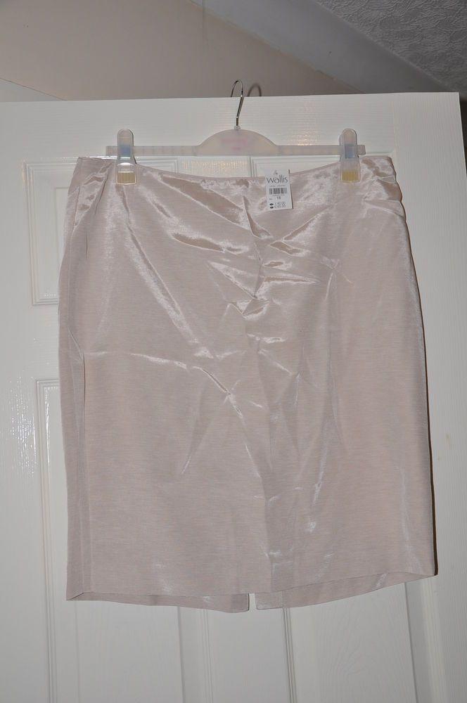 Ladies skirt *S27* Wallis peach pencil size 18 - BNWT RRP £40  shiney
