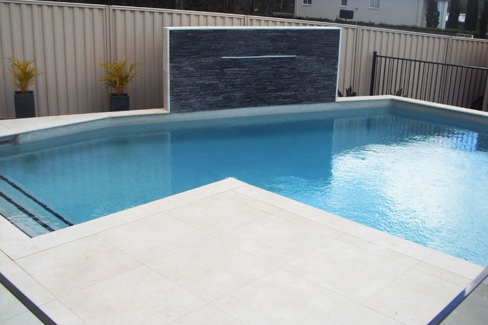 Swimming Pool with feature wall and water feature in 2019 ...