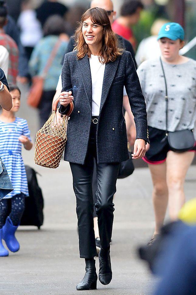 Кейт Бланшетт в Gucci на премьере фильма «Тор: Рагнарёк» в ... кейт бланшетт тор