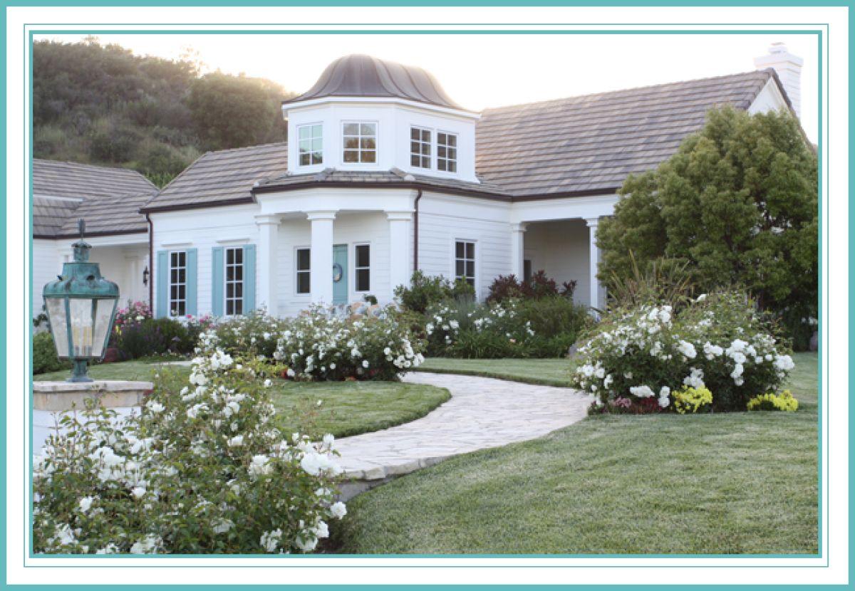 Dream Home House Tour This California Home Has A Story To Tell Photos White Exterior Houses House Exterior Home Styles Exterior