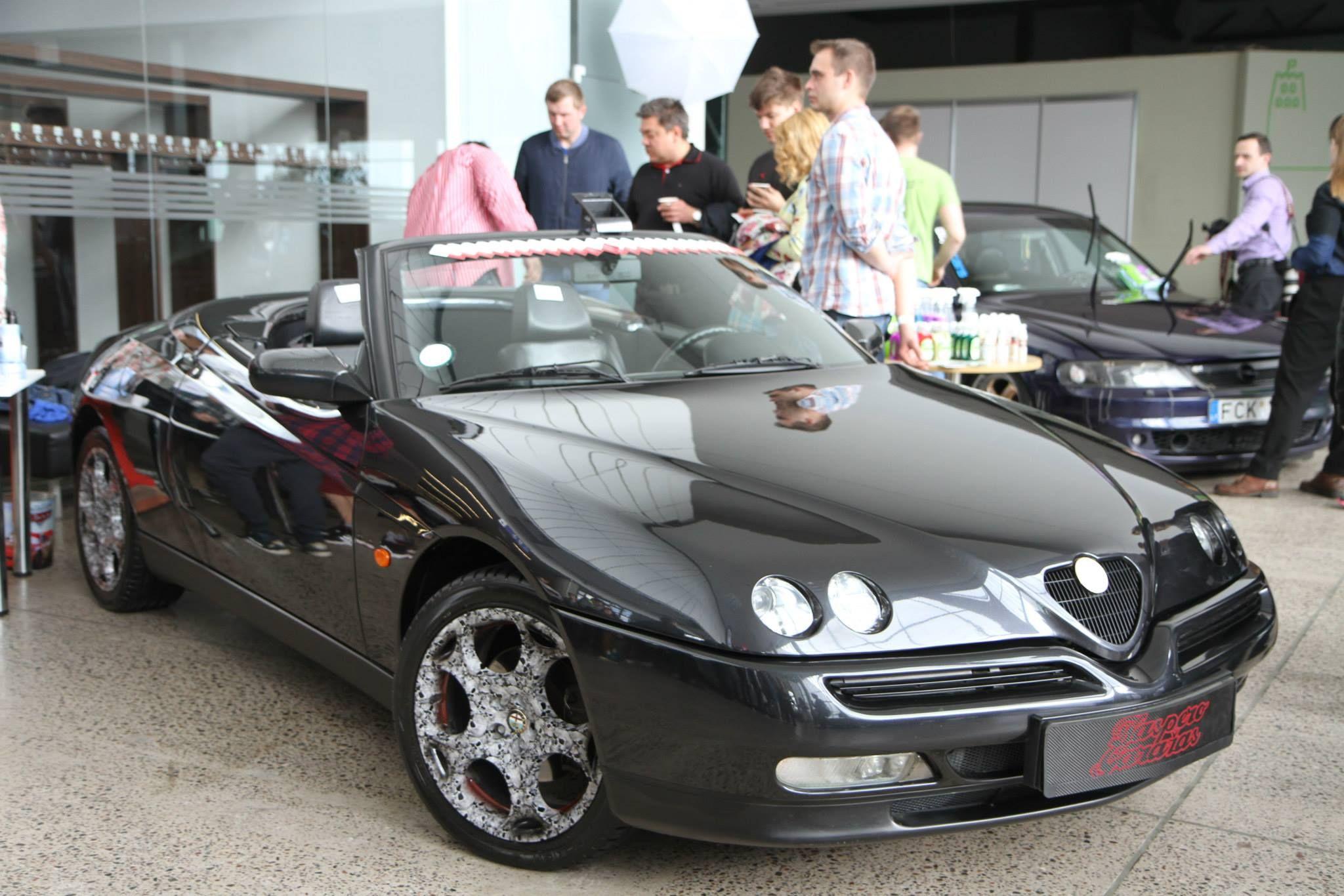 Alfa Romeo Spider V6 916 by