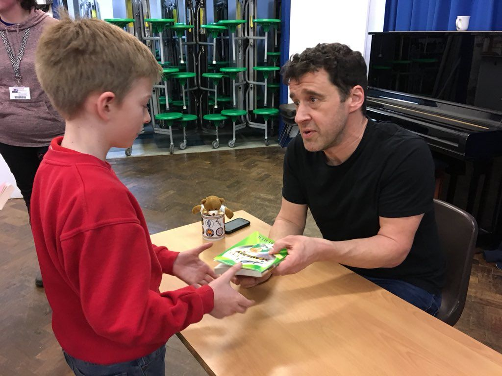 "Eva John on Twitter: ""Another fabulous fun-filled day with @tompalmerauthor @FentonPrimary. Huge queues for book-signing - all books sold. Great reading enthusiasts at this school.… https://t.co/b6noxth5l2"""