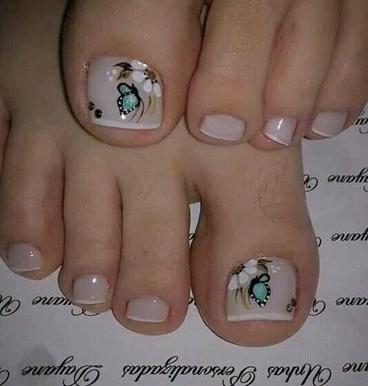 Pin de Janis en uñas con flores   Diseños de uñas pies, Arte de uñas de pies, Uñas pies decoracion