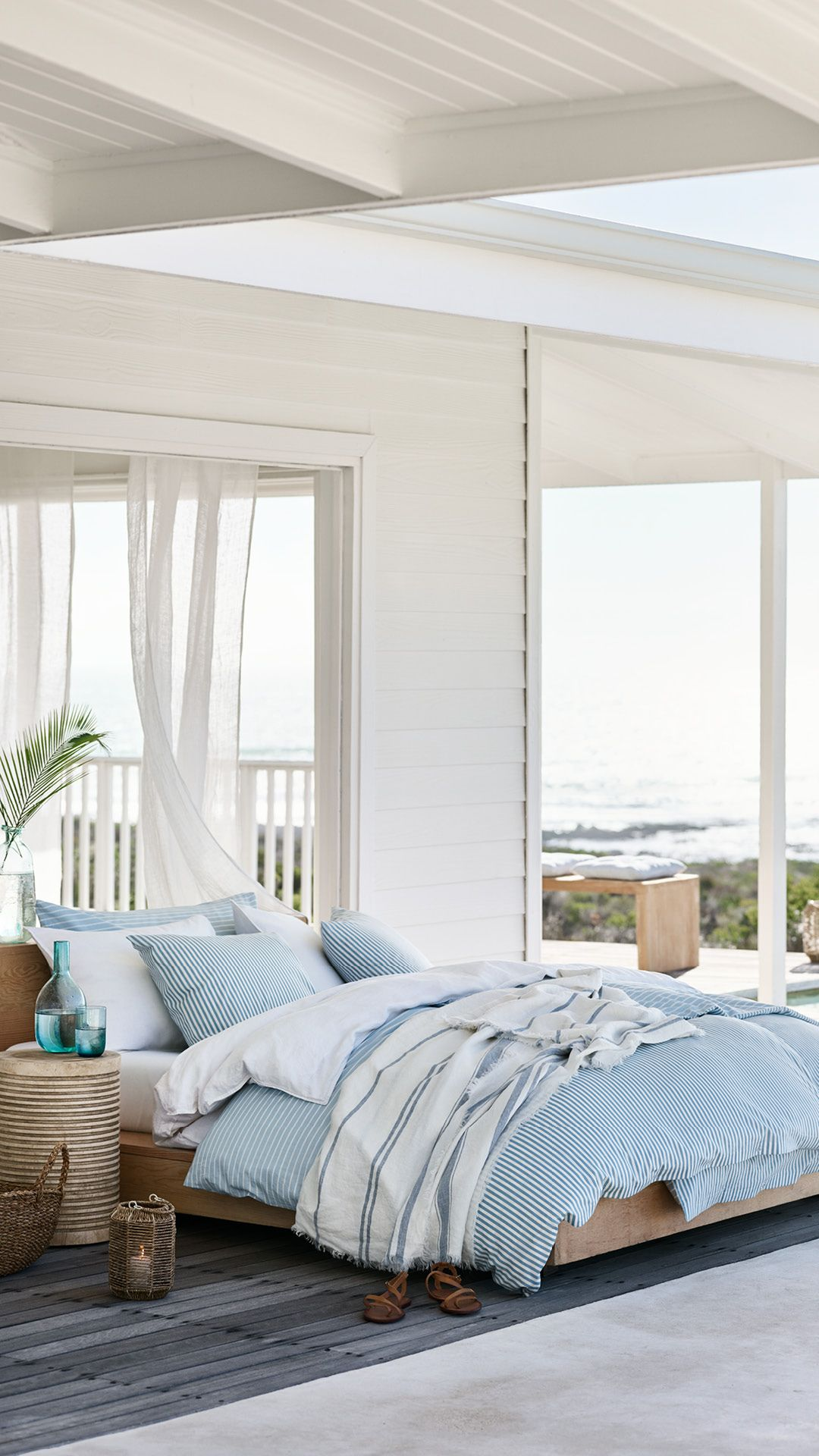H M Home Cool Touch Bed Linen And Soft Pillows In Ice Blue Shades Discover Our Dreamy Bedroo Slaapkamer Verbouwen Zomer Slaapkamer Een Slaapkamer Inrichten