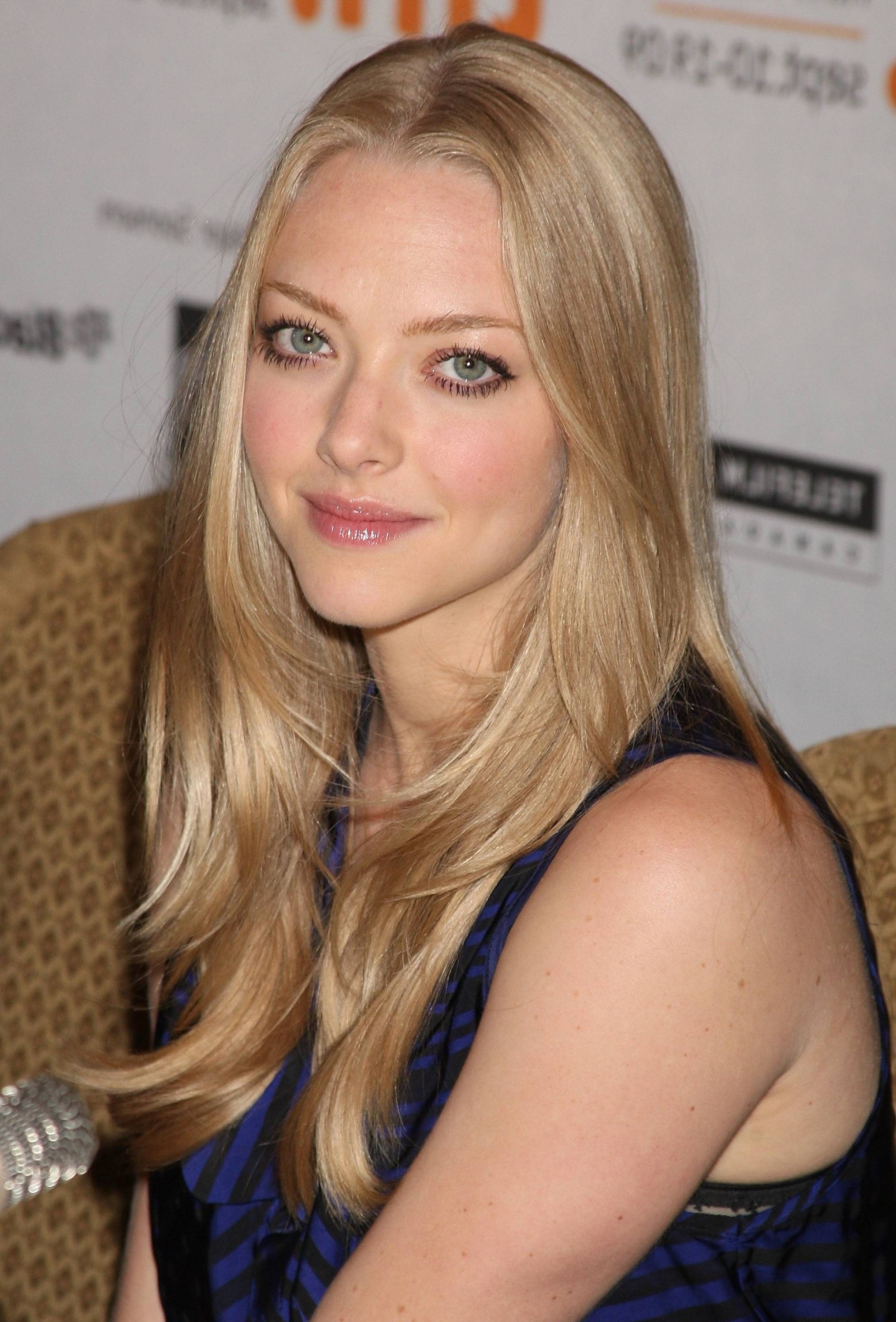 Amanda Seyfried Hair Blonde Hair Pale Skin Amanda Seyfried Hair