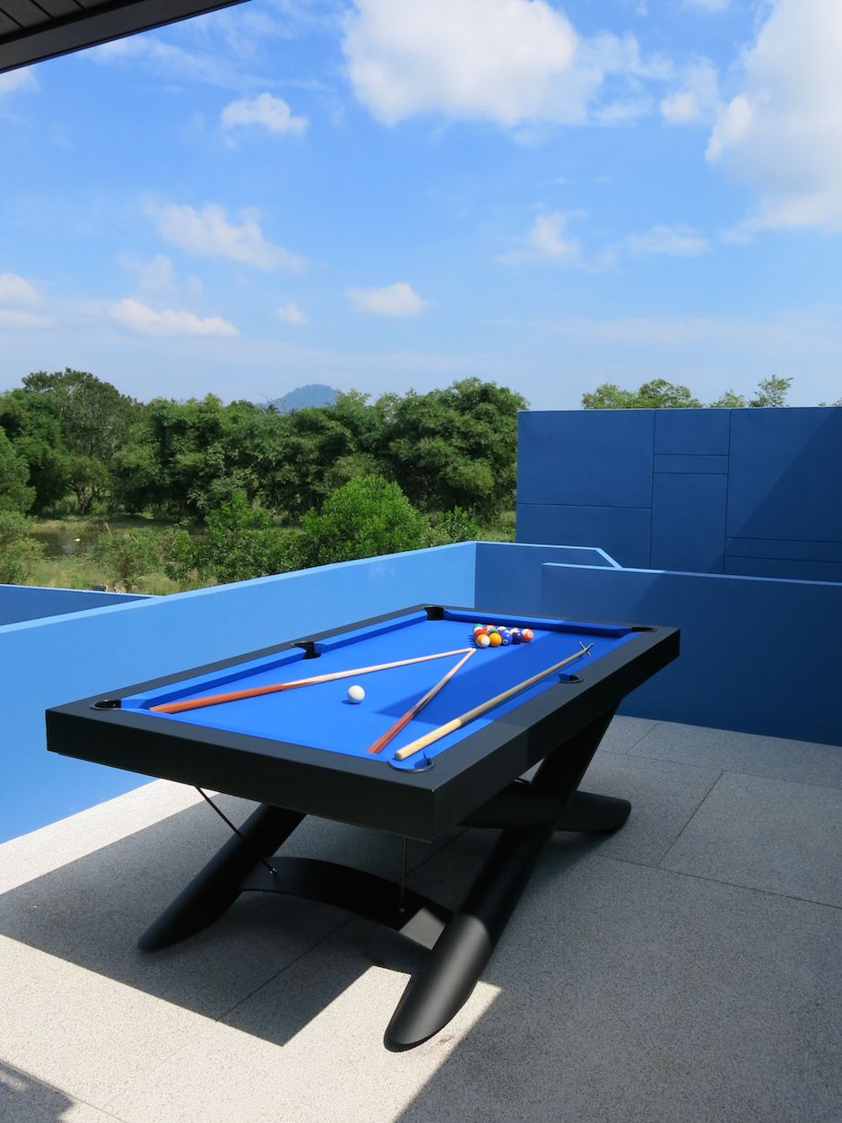 XMen Ft Outdoor Pool Table In Matt Black Finish With Electric Blue - Electric blue pool table