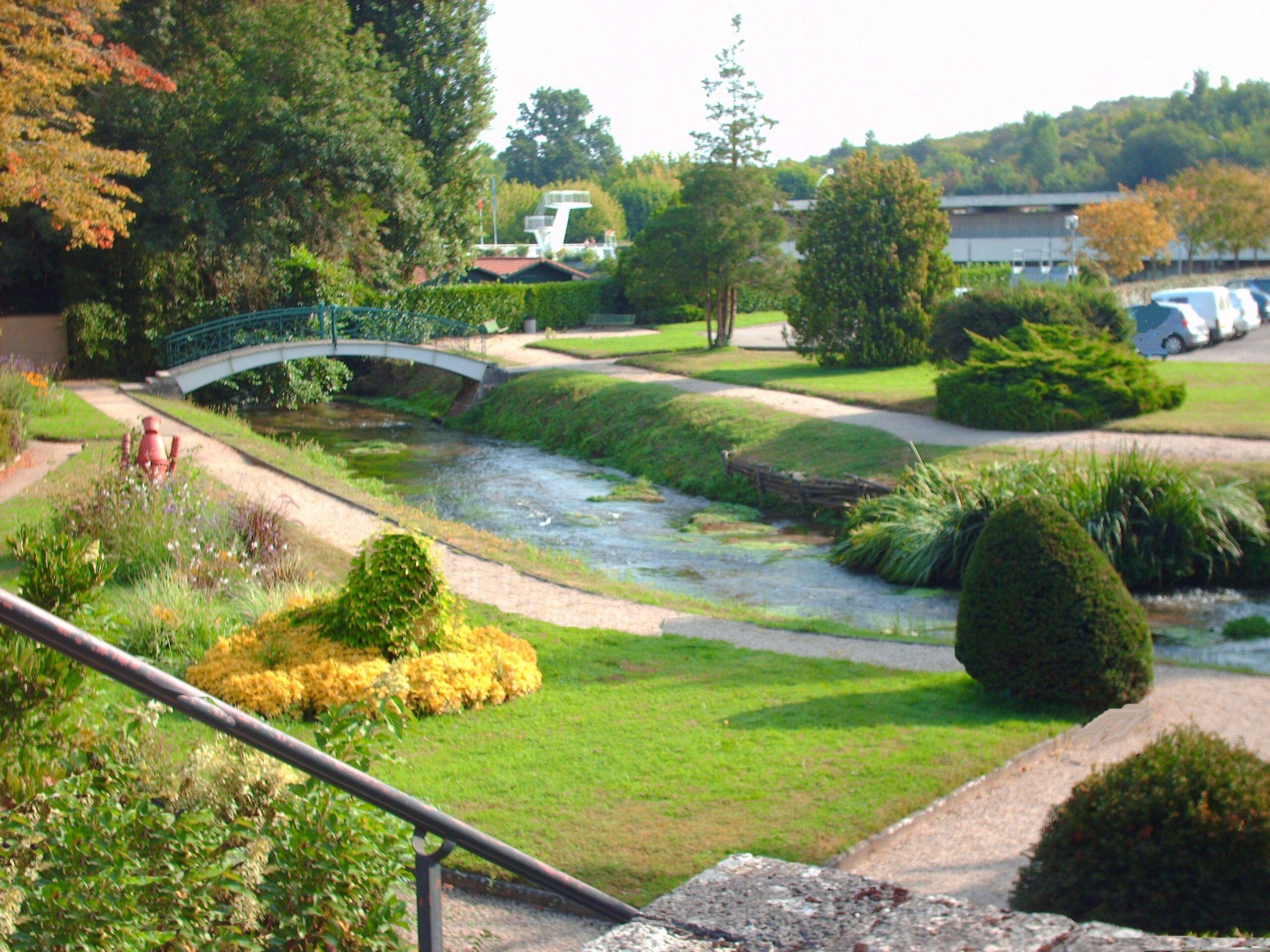 Parc de l 39 glise paysages pays de casteljaloux parc - Office tourisme casteljaloux ...