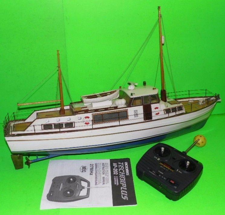 Deanu0027s Marine Boat Radio #control, T.s.m.y. #melita, 1:24 Cabin Cruiser