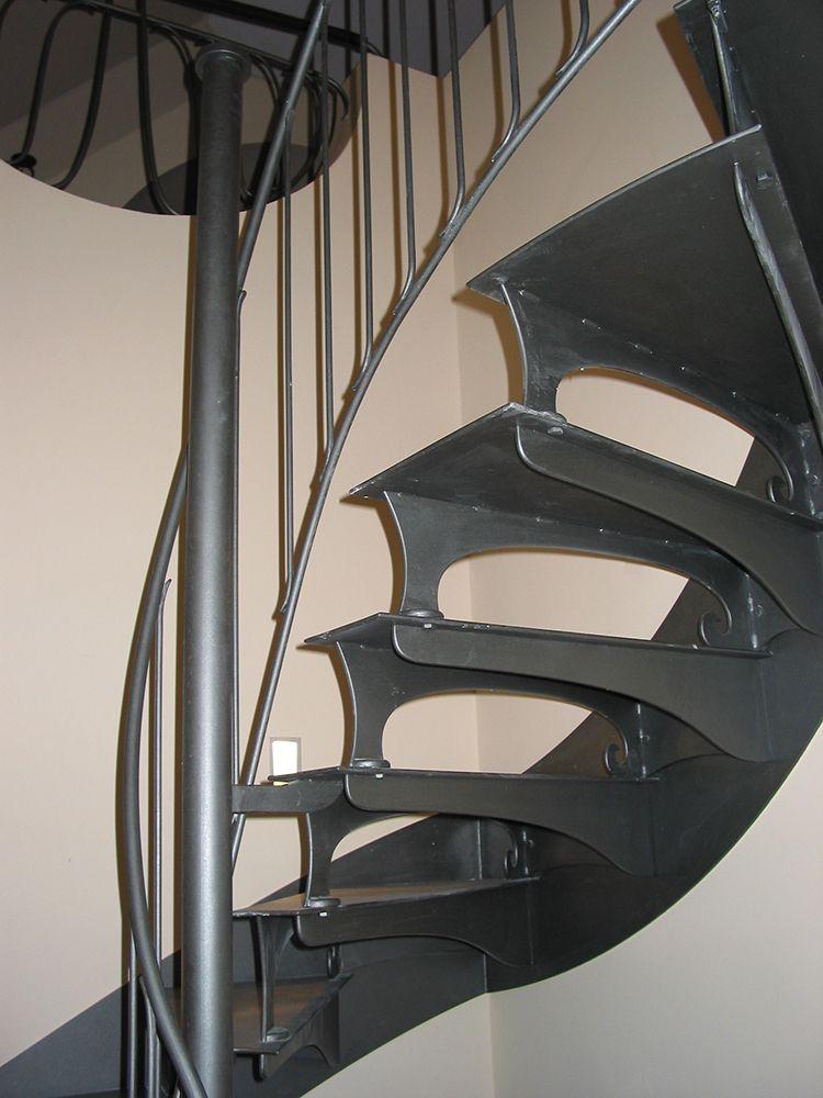 Treppenstufen aus gelaserten Stahlblechen