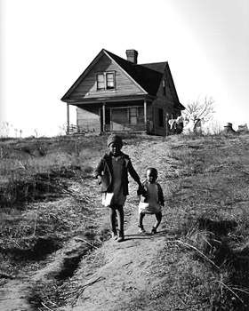 The Status Of Social Realist Photography Farm Families Farm Life