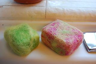 Felted Soap tutorial for kids.  Great project + the resulting scrubby soap exfoliates, removes paint from little hands. Oh, and isn't it pretty?!