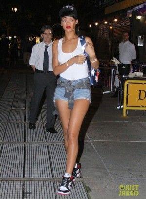 Rihanna wearing Jennifer Meyer Pave Diamond Arrow Cuff aa90b7e288ba