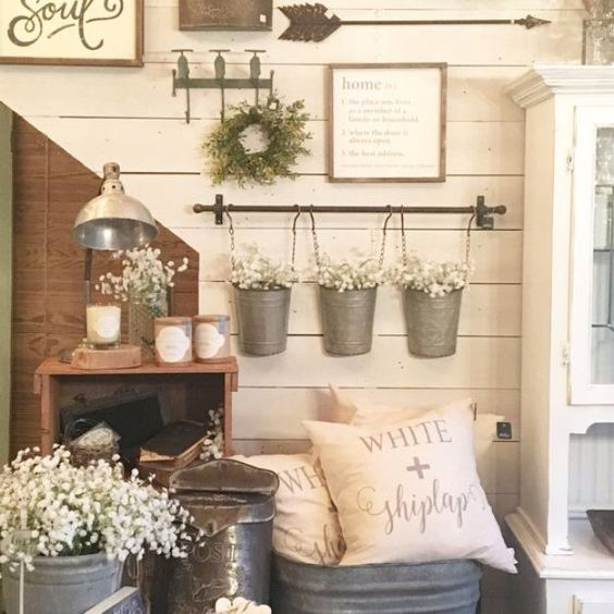 Best Country Decor Ideas - Farmhouse Style Gallery Wall - Rustic