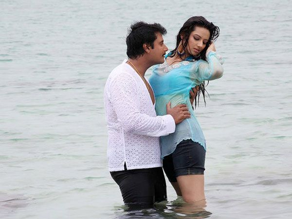 Challenging Star Darshan's most awaited movie Viraat has hit