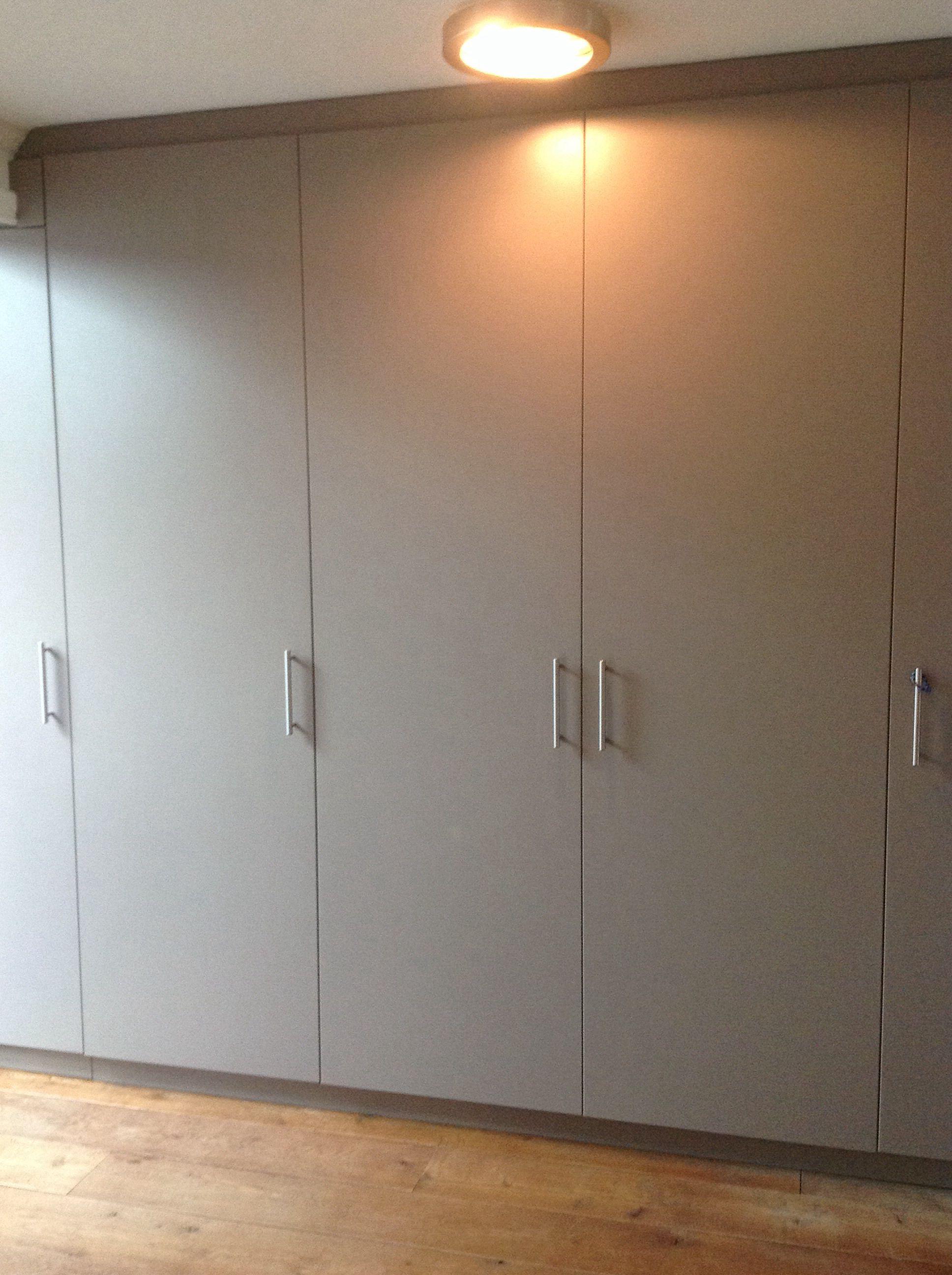 Op maat gemaakte Wandkast voor de woonkamer grijs/bruin gemaakt door ...