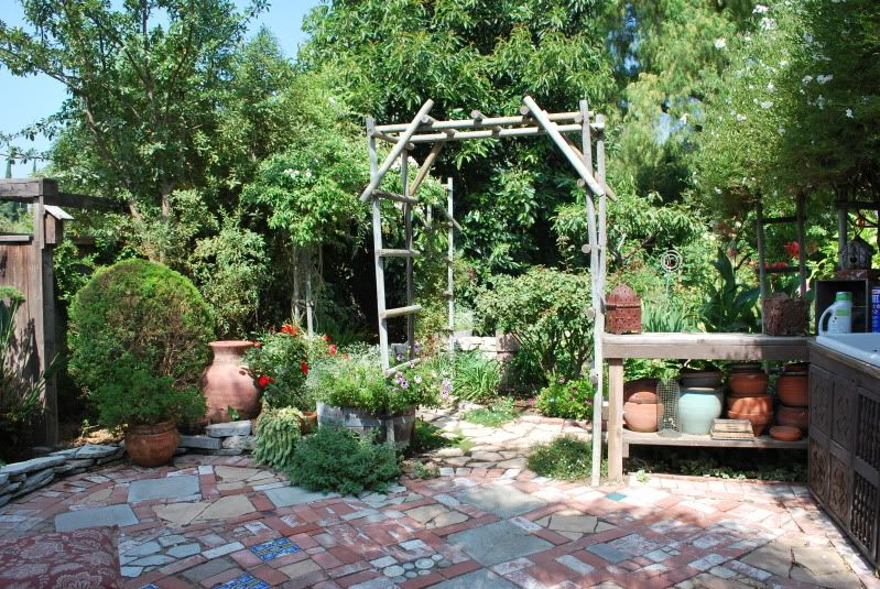 Love The Crazy Paving Ideas For Small Area Off Back Patio For Fire Pit Cottage Garden Landscaping Pinterest Paving Ideas Crazy Paving And Pati