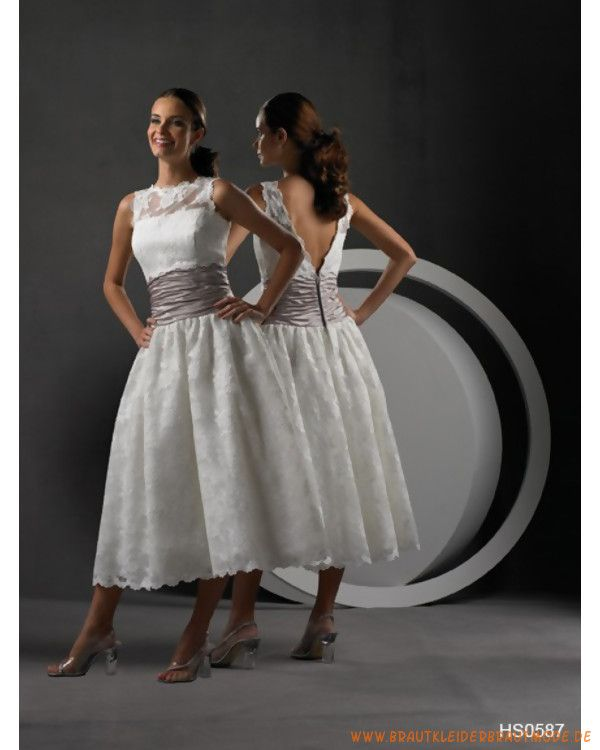 Wadelanges Brautkleid aus Spitze gerafftes A-Linie Korsett mit ...