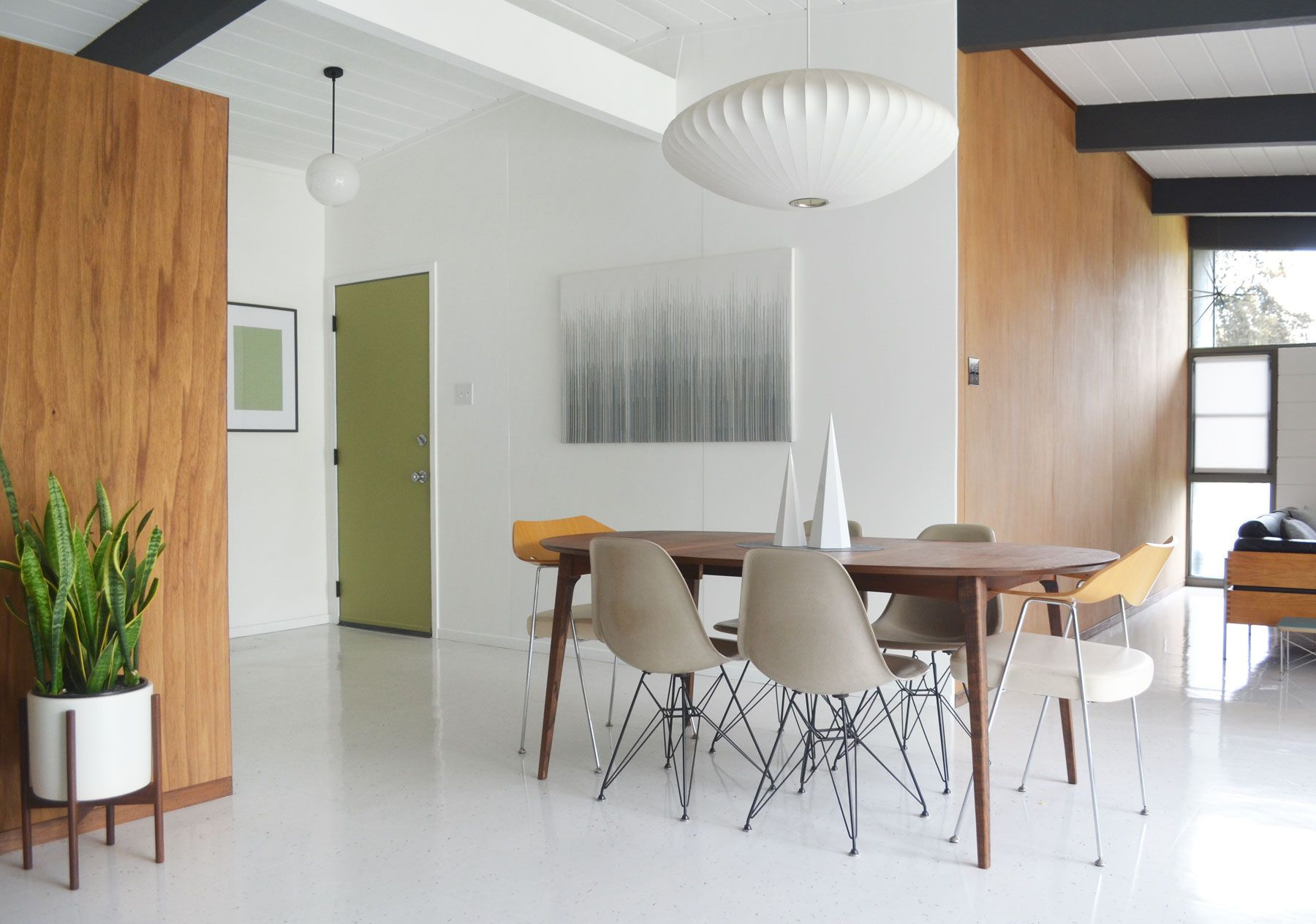 Eichler mid-century living room restoration by fogmodern | TODAYS ...
