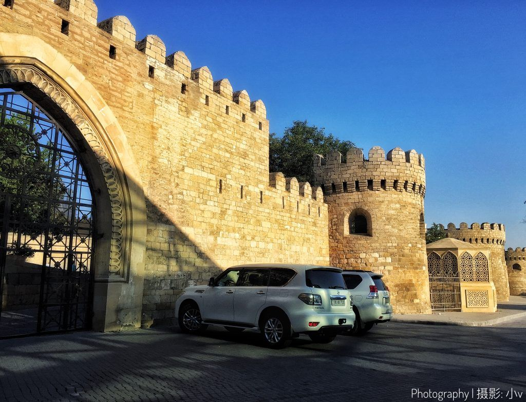 Baku Old City With Its Well Preserved Ancient Buildings It Is One Of The Must Visit Places In Baku Without Any Map Ancient Buildings City Mysterious Places