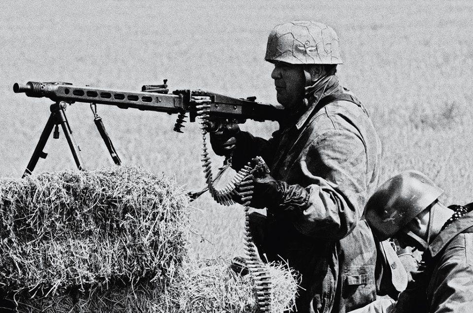 Fallschirmjäger mit MG42