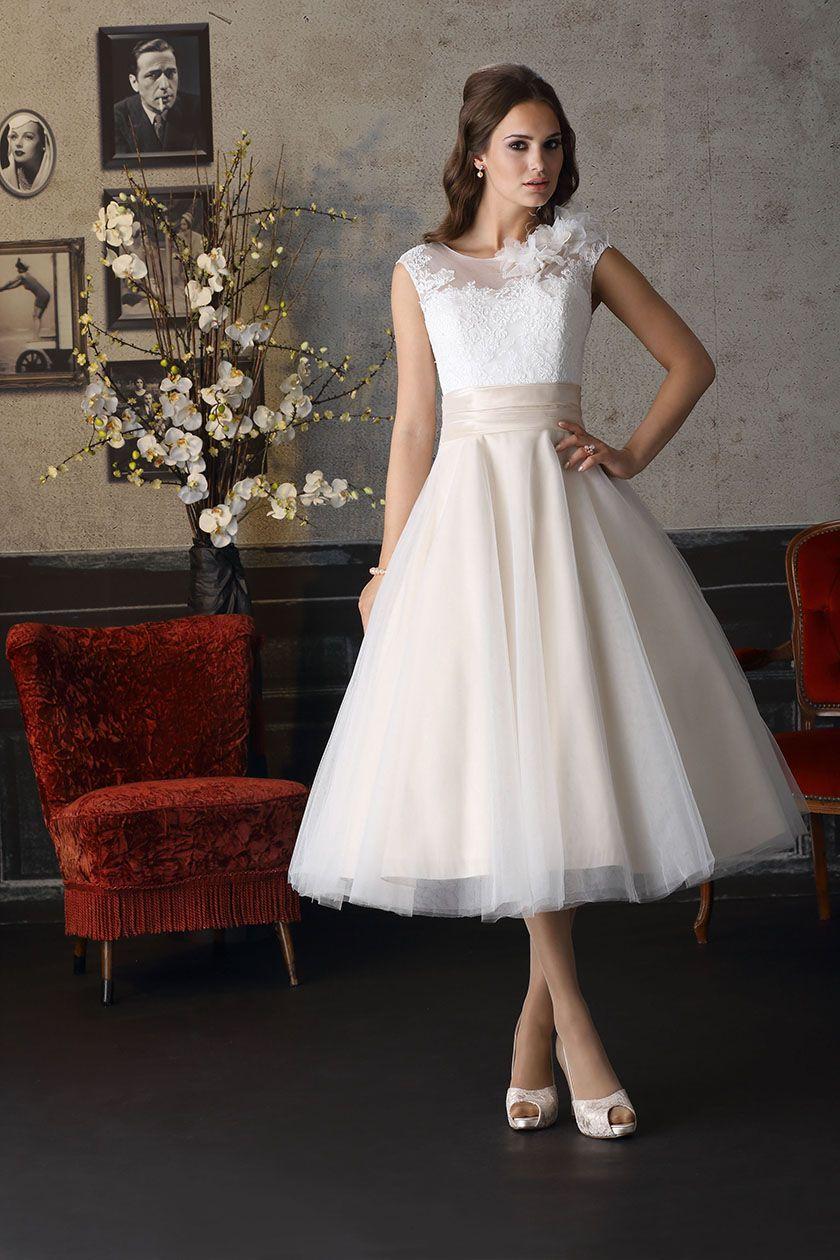 Cream dresses for weddings  Brinkman  BR Sehr süß Und dass dir das steht wissen wir ja
