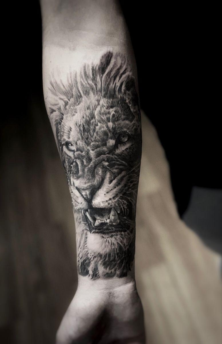 #tattoo #tattooing #tattooaddict #menstattoos #tattoooftheday #animaltattoo #tattoo #tattooist #tattooink #tattoomagazine #realistictattoo #tattoostyle #besttattoo #blackandgreytattoo #tattoolife #realismtattoo #tattoosociety