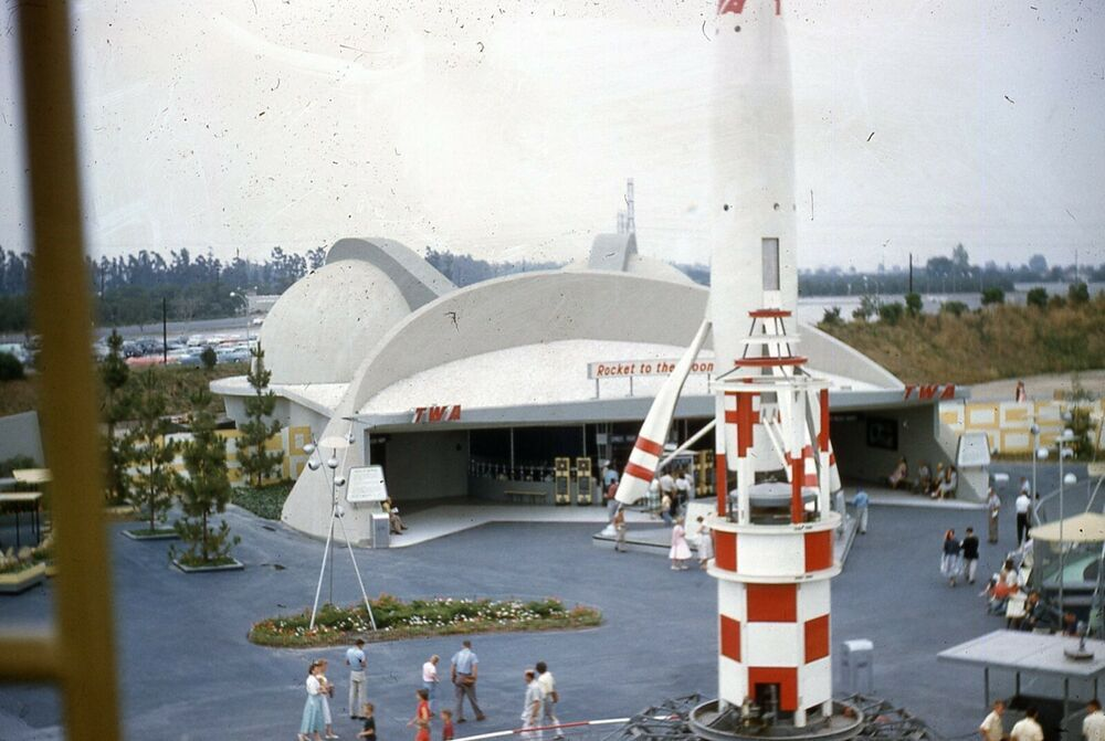 Original 1957 Disneyland Twa Rocket To The Moon Tomorrowland 35mm Slide Lot 2 Ebay Tomorrowland Disneyland Disneyland Main Street