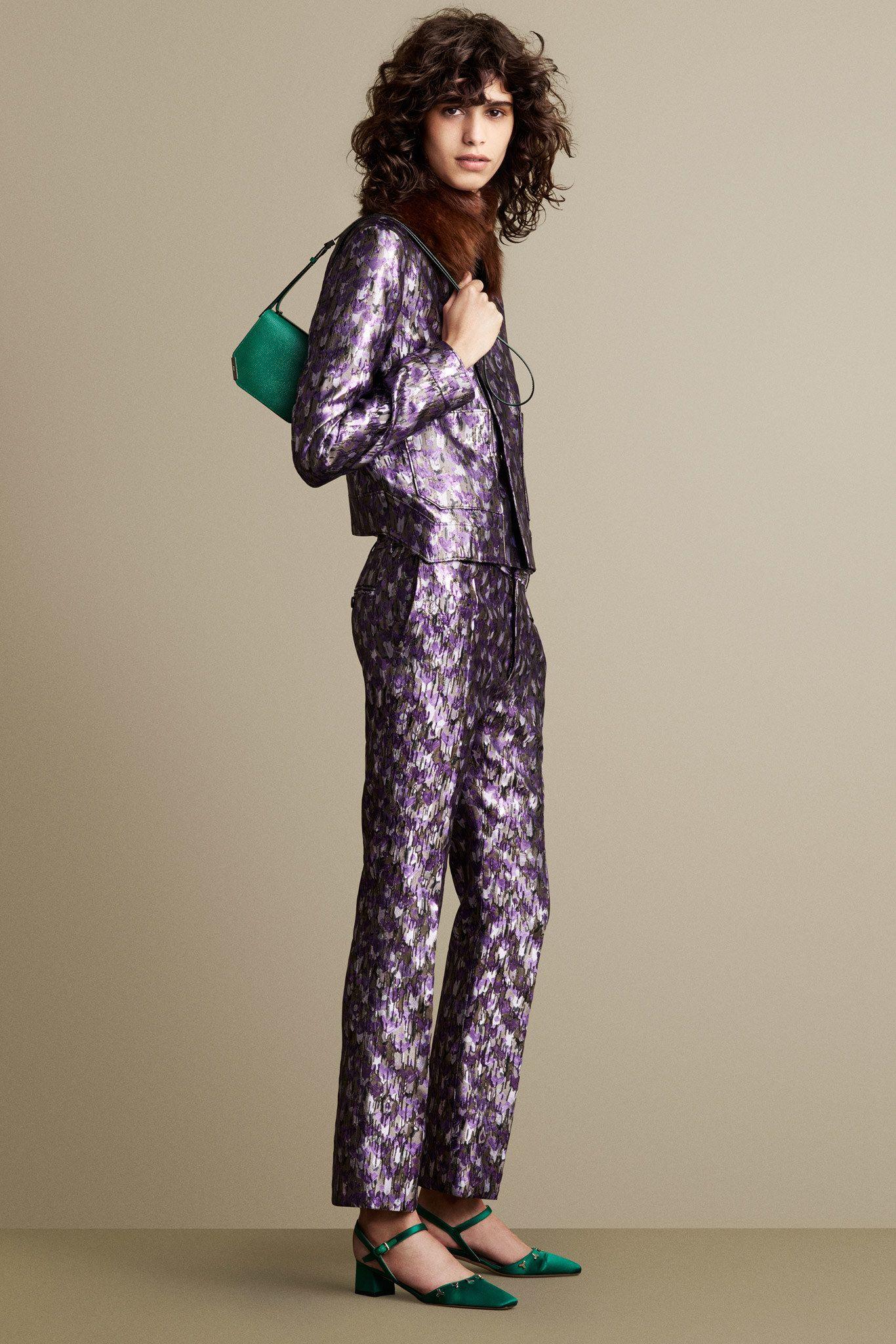 Trend I fashion I I spring summer 2016 I sequins I metallic women's suit I purple women's suit I green silk pumps I green leather bag I violet sequin print I Bally Spring Summer 2016 Lookbook @monstylepin