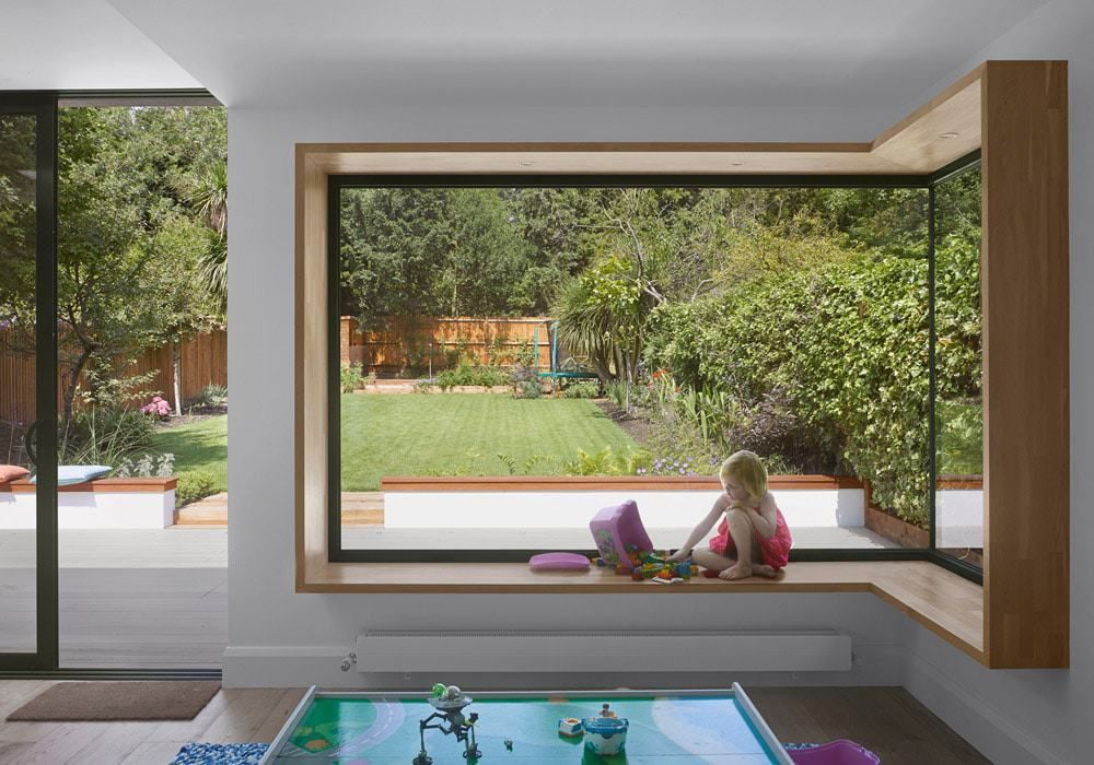 30+ Creative Corner Windows Ideas For Brighter And Cozier House