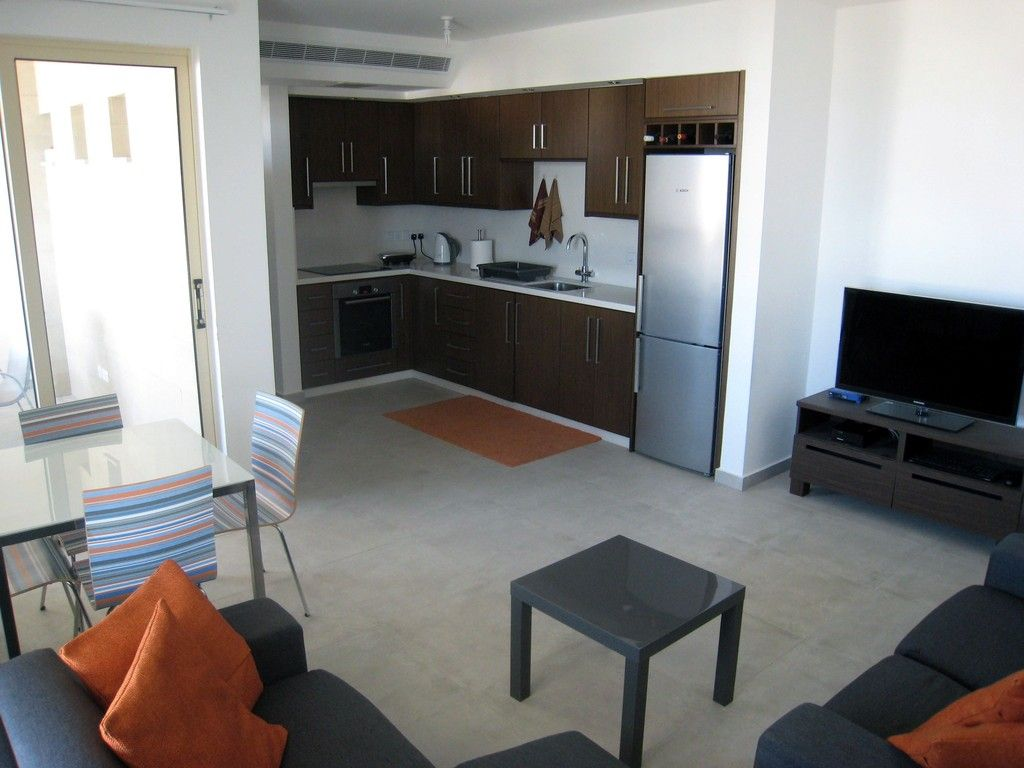 Bedroom apartment for rent aradippou flat larnaca cheap single