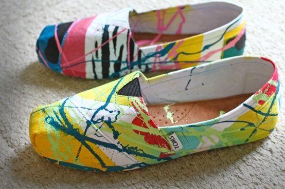 20 Diy Shoe Makeover Ideas Sortrature Painted Toms Shoe Makeover Diy Shoes