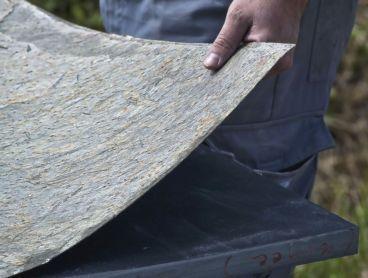 Feuille de pierre naturelle : c\'est de la pierre mais flexible ...