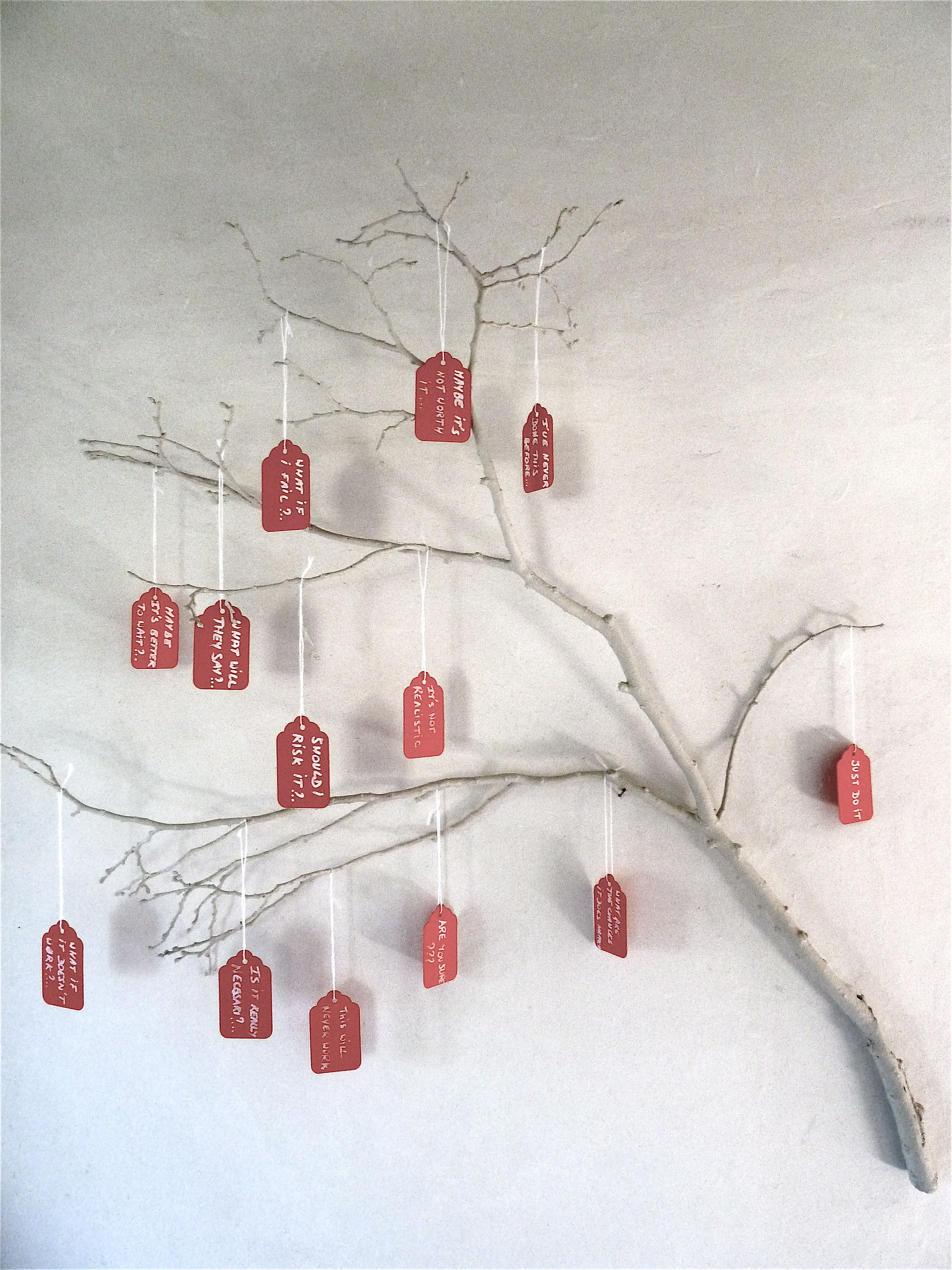 Just do it! tree branch. create messages and hang them on a branch by Atelier de Chantal